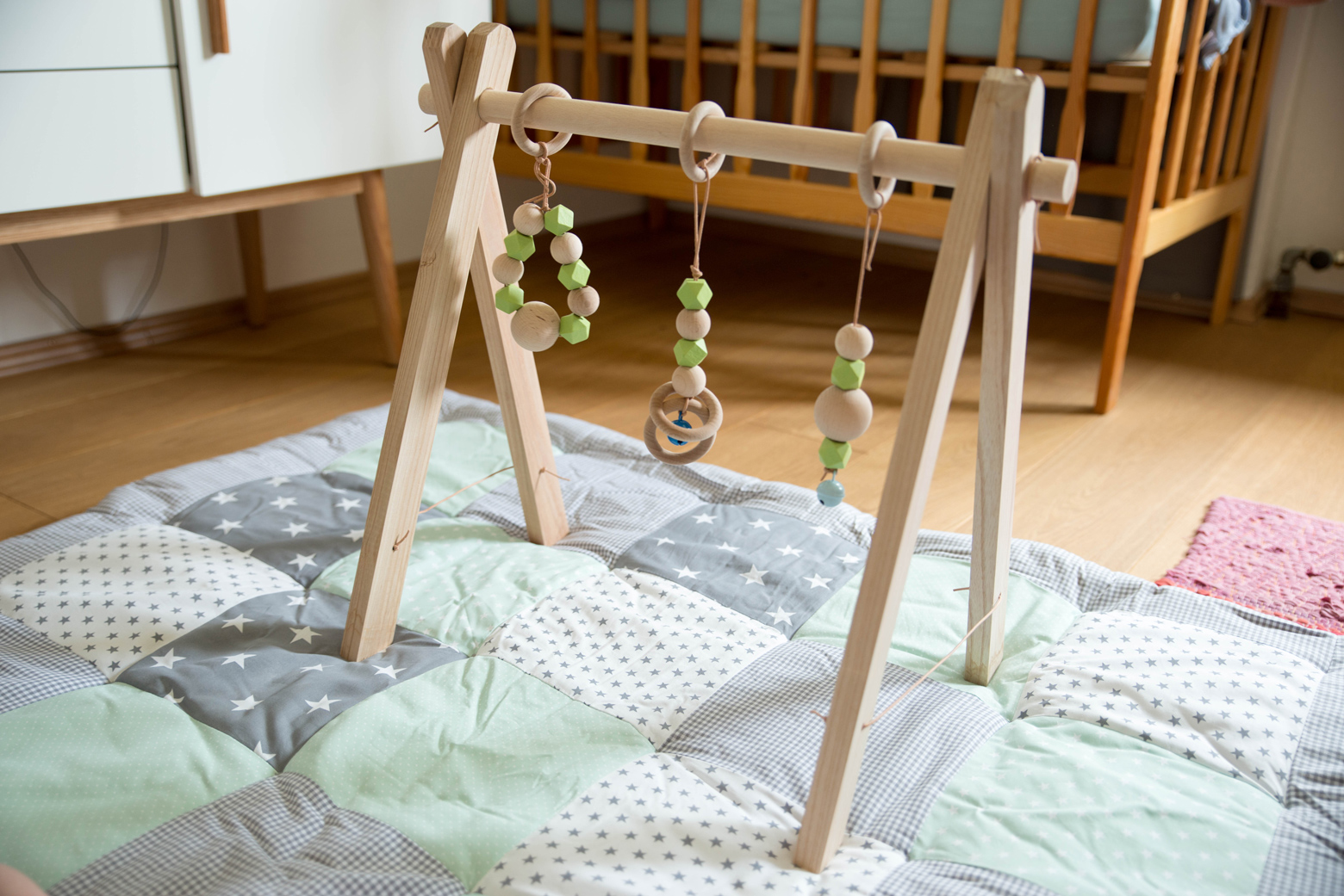 diy holz baby gym das mundwerk. Black Bedroom Furniture Sets. Home Design Ideas